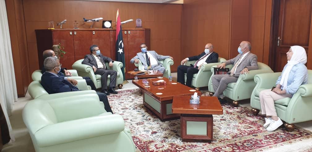 اجتماع السيد وزير المواصلات بحكومة الوحدة الوطنية مع معالي وزير التجهيز بجمهورية تونس السيد / كمال الدوخ